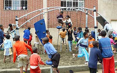 playground installation team